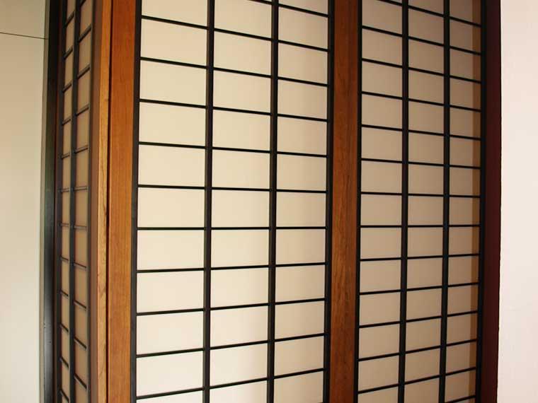 Kleiderschrank im Japanstil, Abb.1