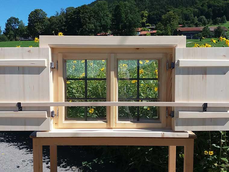 Traditionelles Stockfenster